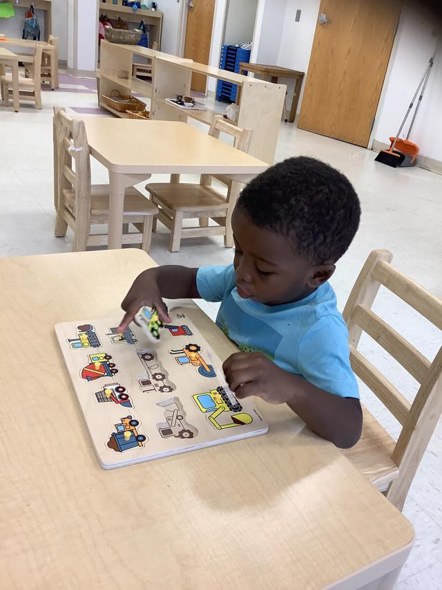 Best Montessori School in St. Louis Concentration Self-directed